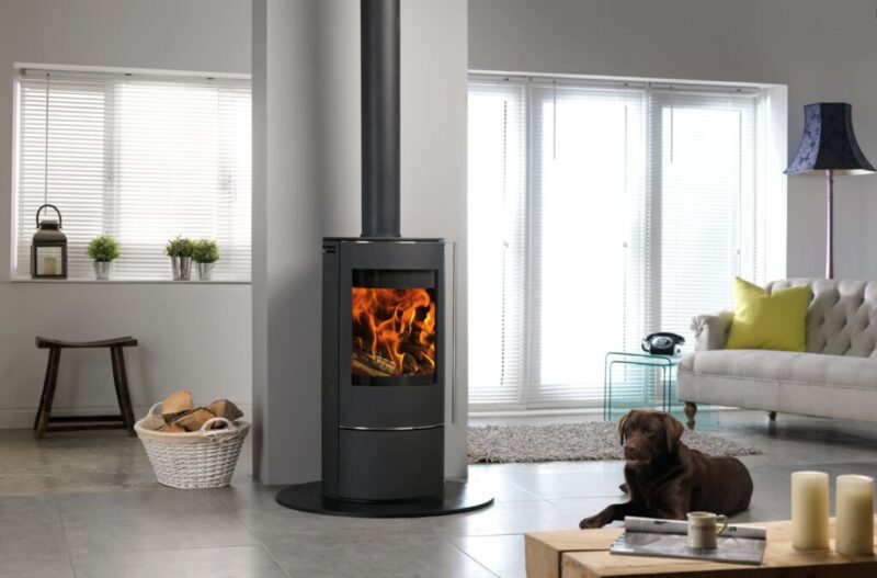 solis stove with dog 1017 65335